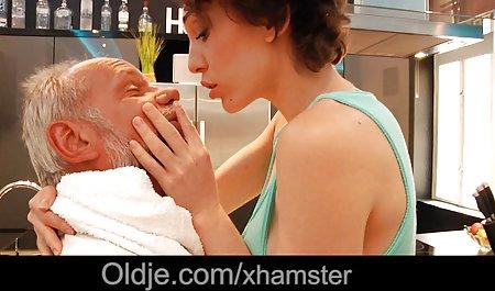 Seksi tebal rambut coklat Dewasa video sex japan selingkuh milf mengisap ayam