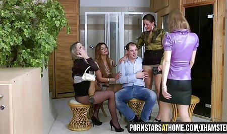 Seks bertiga lesbian oral dan bermain jepang xxx mom